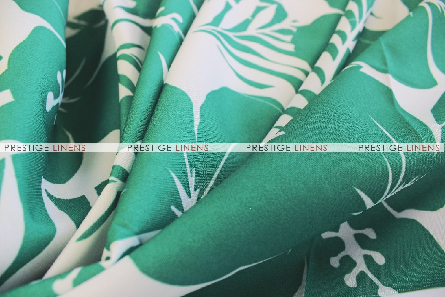 ... TROPICAL TABLE RUNNER   EMERALD