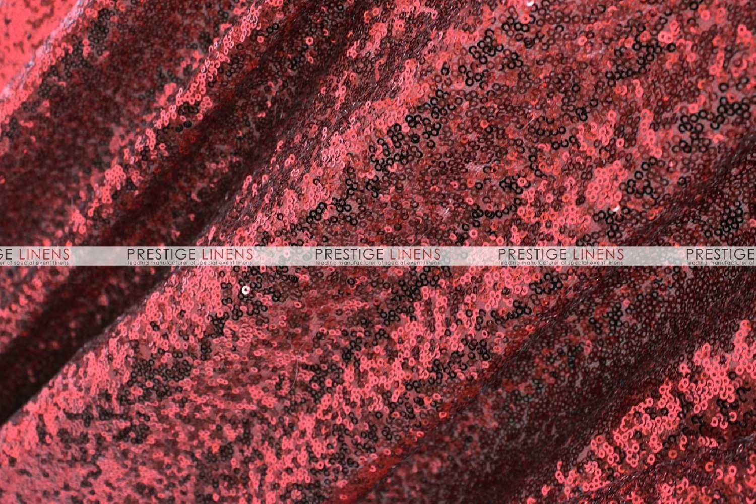 ... Glitz Table Runner   Burgundy